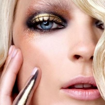 12 Makeup Tricks for Gorgeous Blue Eyes ...