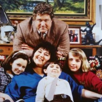 "8 Reasons to Love ""Roseanne"" ..."