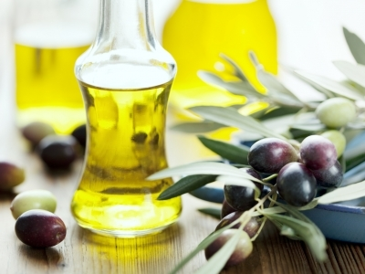 7 Ways to Use Olive Oil for Beauty Purposes ...