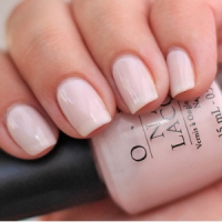 8 Tips on How to Make Nail Polish Stay on Longer ...