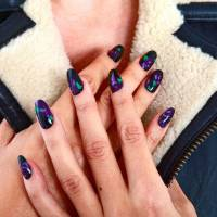 This is Why You Should Try Dip Dying Your Fingernails ...