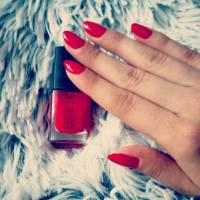 7 Fab Ways to Pamper 😊 Your Nails in between Manicures 💅🏼 ...