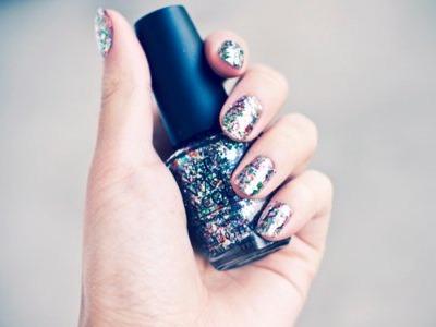7 Ways to Add Glitter to Nails ...