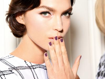 13 Tips for Strong Healthy Nails in Winter ...