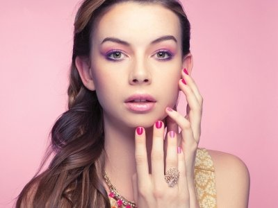 7 Trendy Nail Designs for Short Nails ...