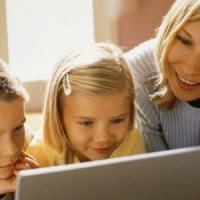 7 Reasons to Monitor Your Teen's Internet Usage ...