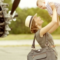 7 Cute Alternatives to Diaper Bags ...