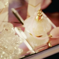 8 Tips on How to Wear Perfume ...