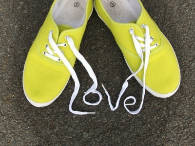 7 Adorable Canvas Sneakers to Pair with Summer Dresses ...