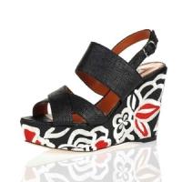 3 Glamorous White Oscar De La Renta High Heels ...