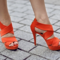 9 Stylish Strappy Heeled Sandals ...