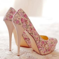 8 Pretty Printed Pumps ...