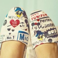 9 Darling Disney TOMS ...