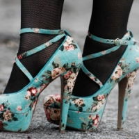 9 Gorgeous Floral Patterned Heels for Spring ...