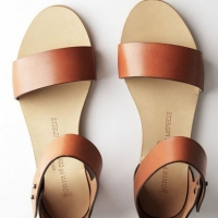 8 Tips for Choosing the Right Summer Sandals ...