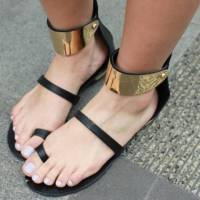 20 Pairs of Black Summer Sandals That Will Drop Your Jaw ...