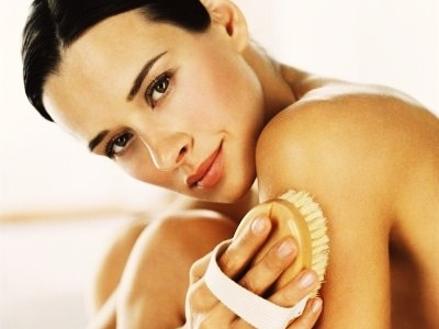 7 Beauty Benefits of Dry Brushing ...