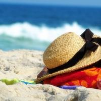 8 Beach Skincare Tips ...
