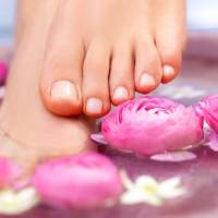 7 Skincare Conditions That Affect Your Feet ...