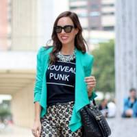7 Streetstyle Ways to Rock Graphic Tees ...
