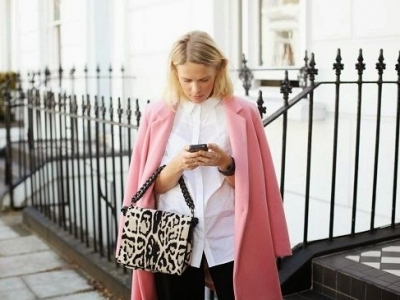 9 Street Style Ways to Wear Pink Coats for Fall ...