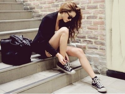 7 Streetstyle Ways to Wear Converse and Rock It ...