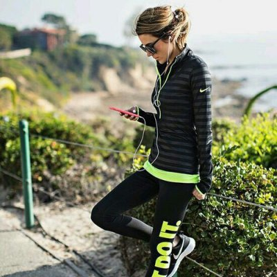 10 Podcasts 🎤 to Listen to 👂🏼 during Your Run 🏃🏼 ...
