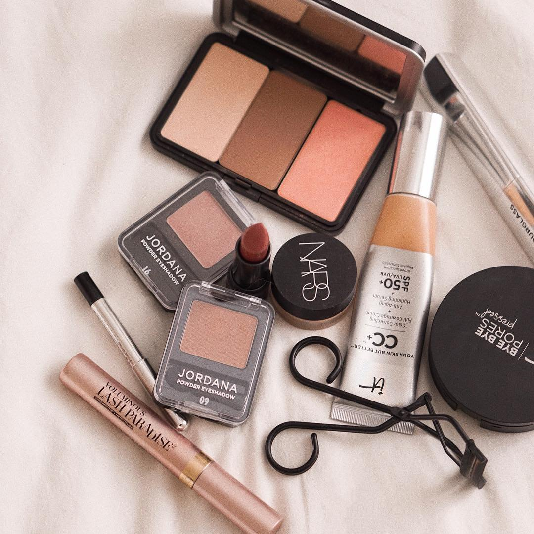 Great Ways to Get Free Makeup Samples for Girls Wanting to Try Something New ...