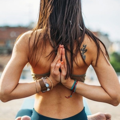 Build Strong, Lean Muscle with This Beginner Yoga Sequence 💪 ...