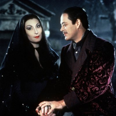 17 Relationship Goals Inspired by Gomez and Morticia Addams ...