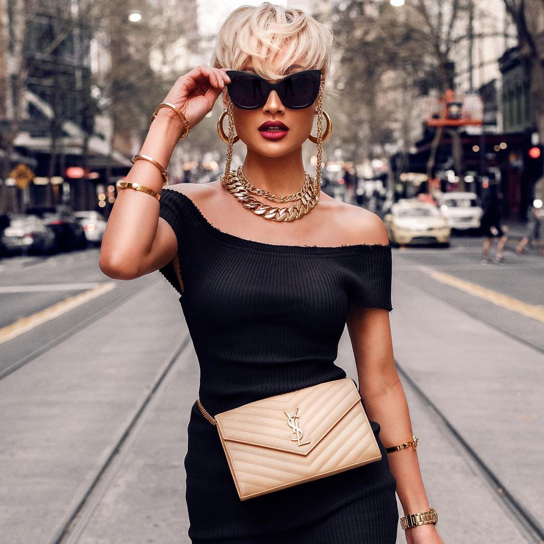 The Top 👏 Fashion Essentials 🛍 Every Woman 👩 Needs in Her Life 🌎 ...