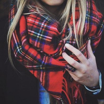 Look Sexy by Copying These 25 Scarf Styles ...
