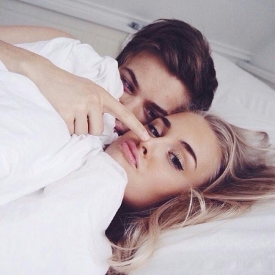 15 Unexpected Moves in Bed Men Love ...