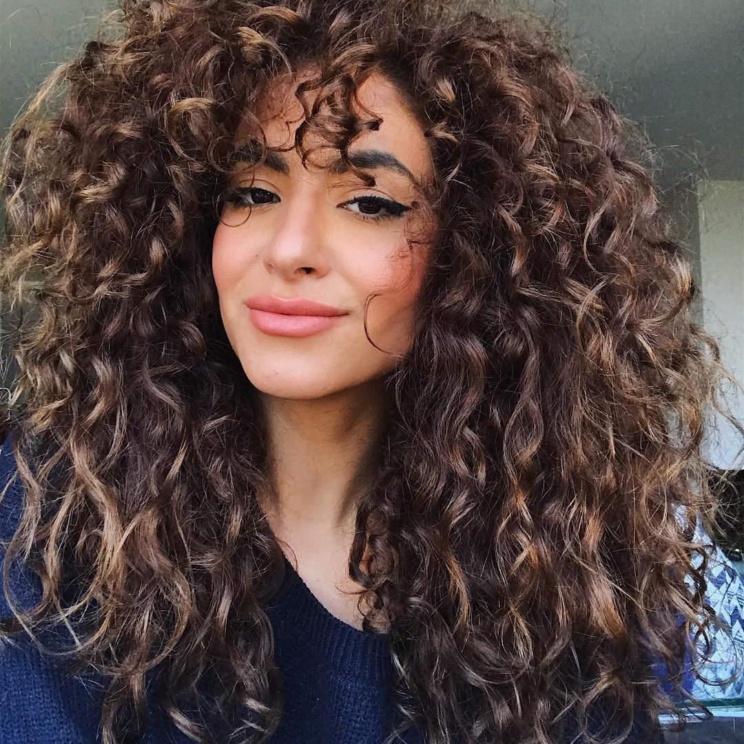 12 Genius 💡 Ways for Curly Haired Girls 👩 to Coddle 🤗 Their Curls 🌀 ...