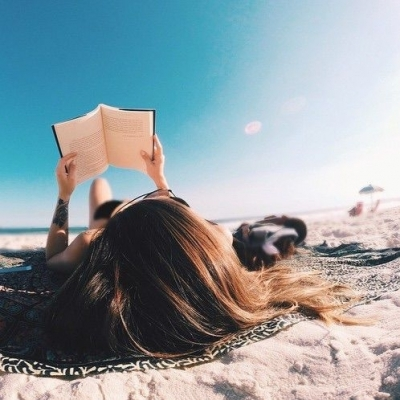 Great Reads for This Summer's Beach Babes 📚 ...