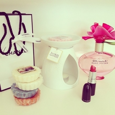 Feel like a Girly Girl with These Feminine Perfumes ...