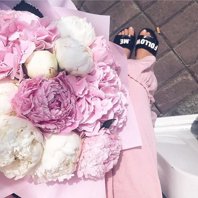 28 of Today's Dreamy 💭 Flowers Inspo for Girls 🙋🏿🙋🏼🙋🏽🙋🏻 Looking to Add Something to Their Home 🏡 ...