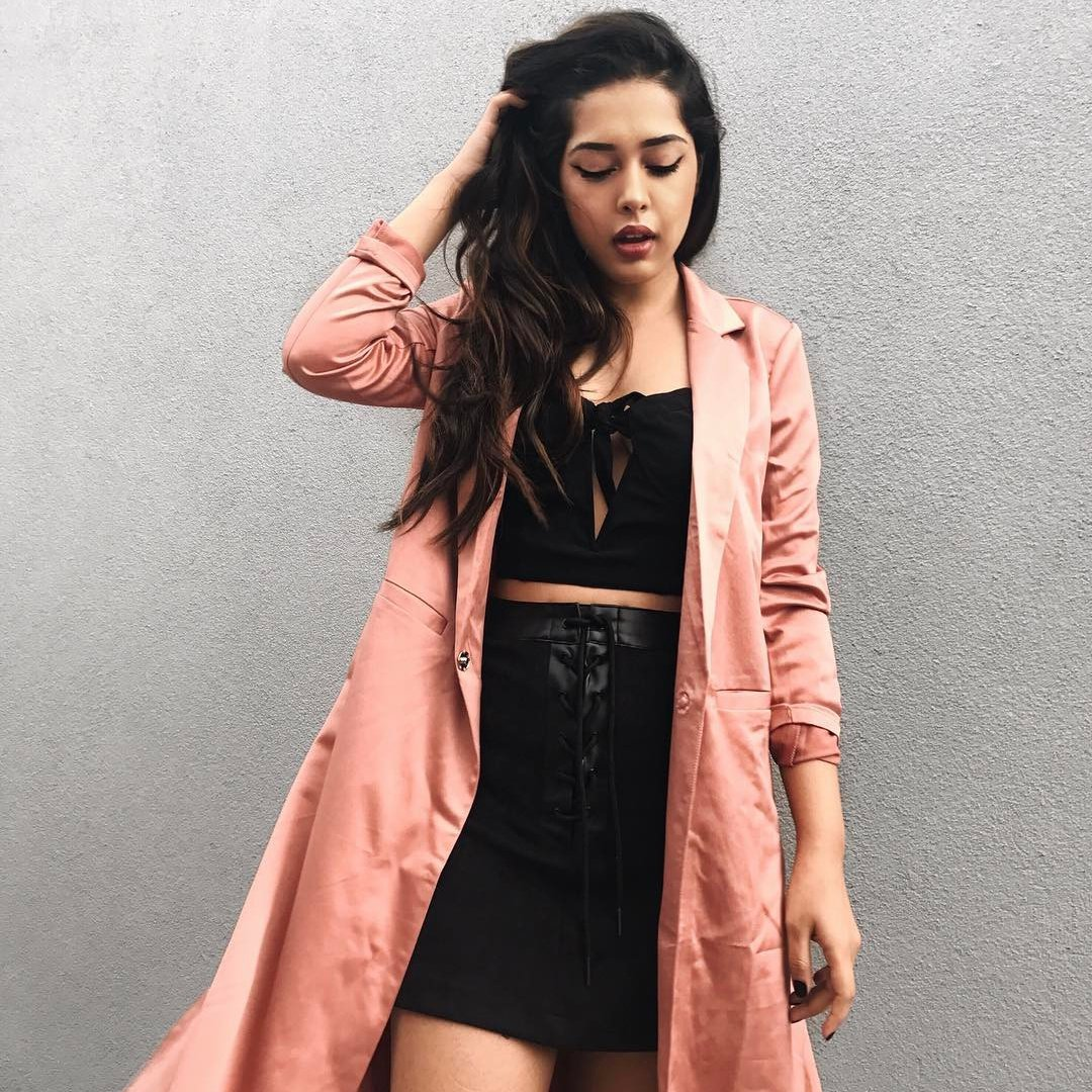 Awe-Inspiring 😱 Short Girl Fashion 👗👠 Ideas 💡to Stay Stylish 😎 when You're Petite ...