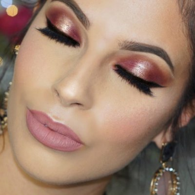 Glittery Makeup Ideas to Help You Sparkle at a Party ...