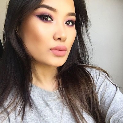 7 Makeup Tutorials for Women with a Face Full of Acne ...
