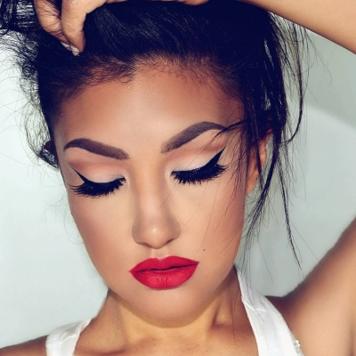 Ladies, Here Are 9 Different Eyeliner Looks for You to Try!