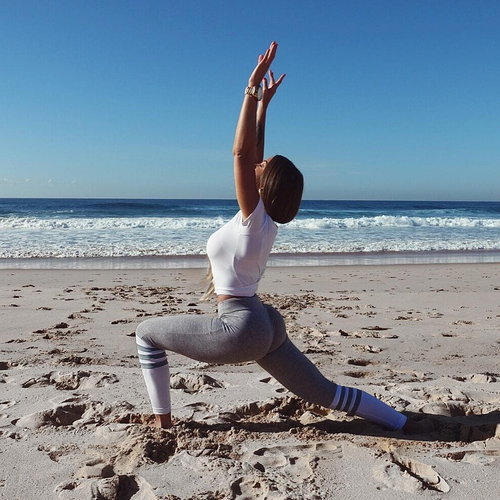 Morning ☀️ Yoga Flow 🌊 to Jump Start 🔋 Your Day 📆 ...