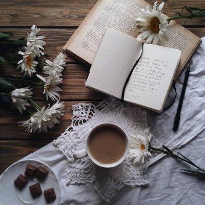 7 Brilliant Books Every Smart Girl Must Read ...