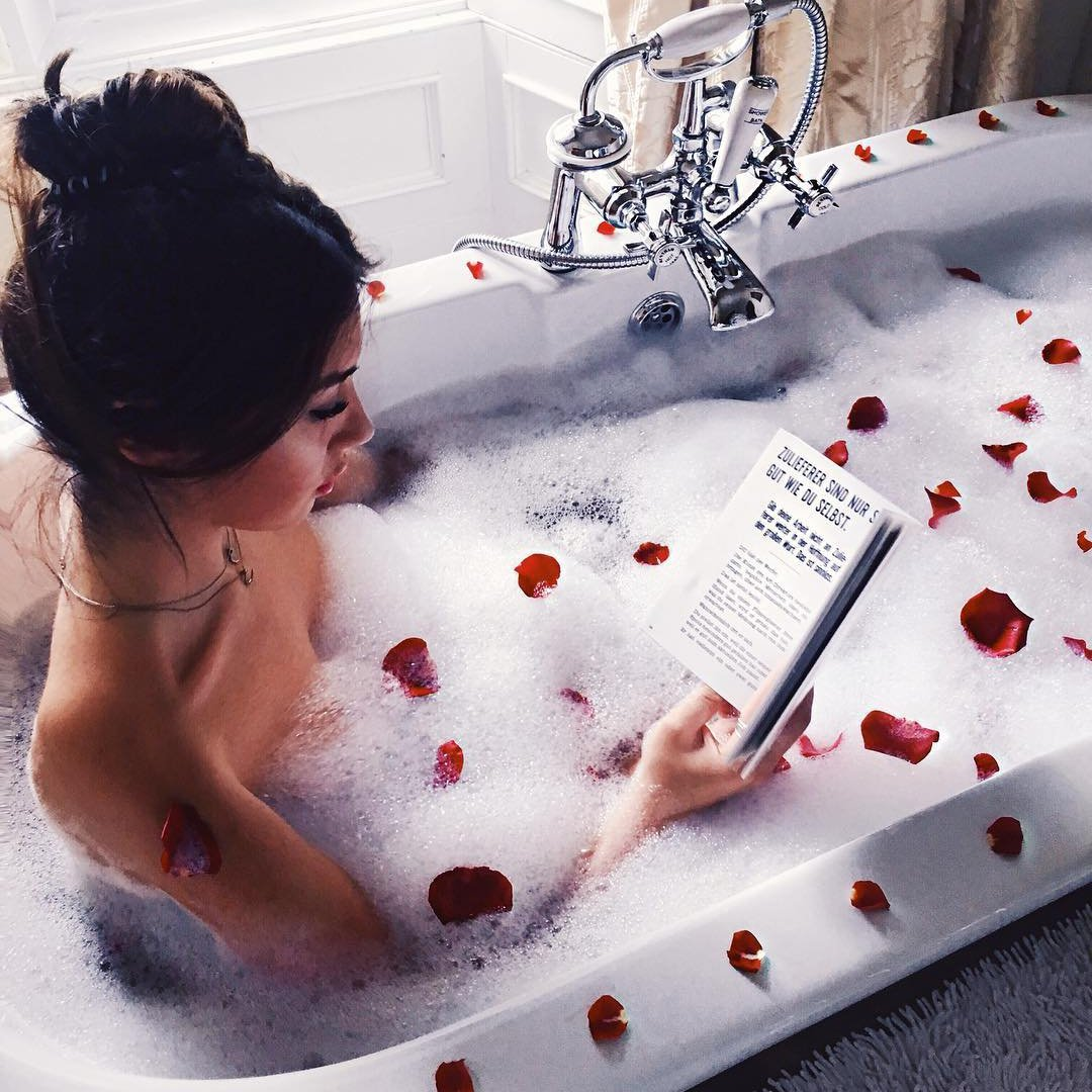 The Best ✌️ Ways to Pamper 😌 Yourself at Home 🏡 for Girls on a Budget 💵 ...