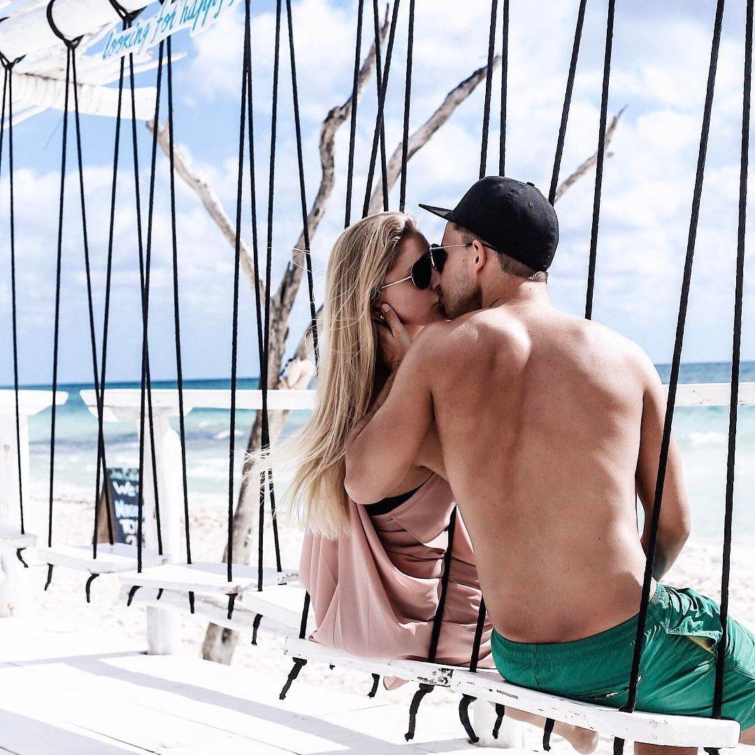 17 Ways Bold ✌🏼 Girls Can Flirt 😘 with Their Crush 💑 ...