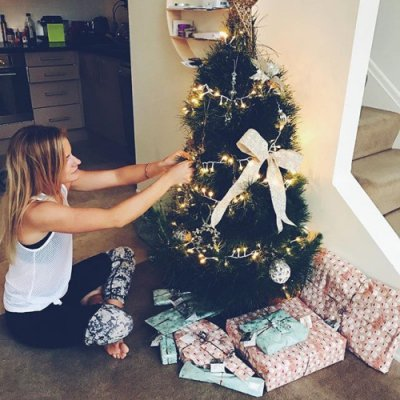 How to Decorate Your Tree 🎄 so It's Instagram-Worthy 🌟 ...