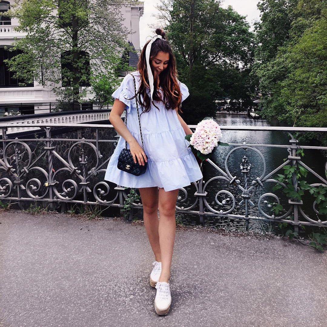 The Hottest 🔥 Fashion Inspos 💡 to Help You Rock 🤘🏼 White Sneakers 👟 and a Dress 👗 ...