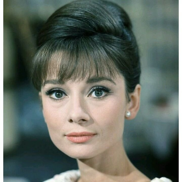50 📷 Pictures of Audrey Hepburn🌟: a Study of Timeless Style 👗and Beauty 👸 ...