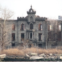 8 Creepy Castles ...