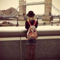 10 Ultimate Tips for Girl Travelers in London ...